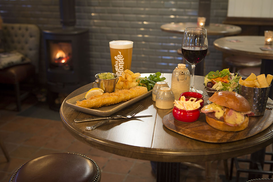Pub snacks & sandwiches in Stockport