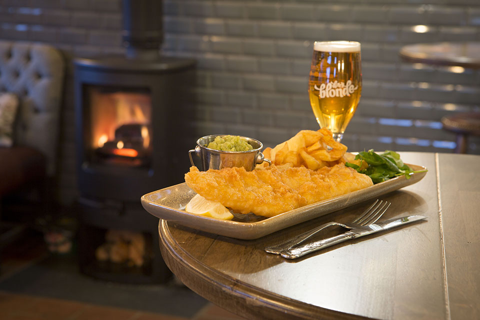 Satisfying pub food for Moelfre
